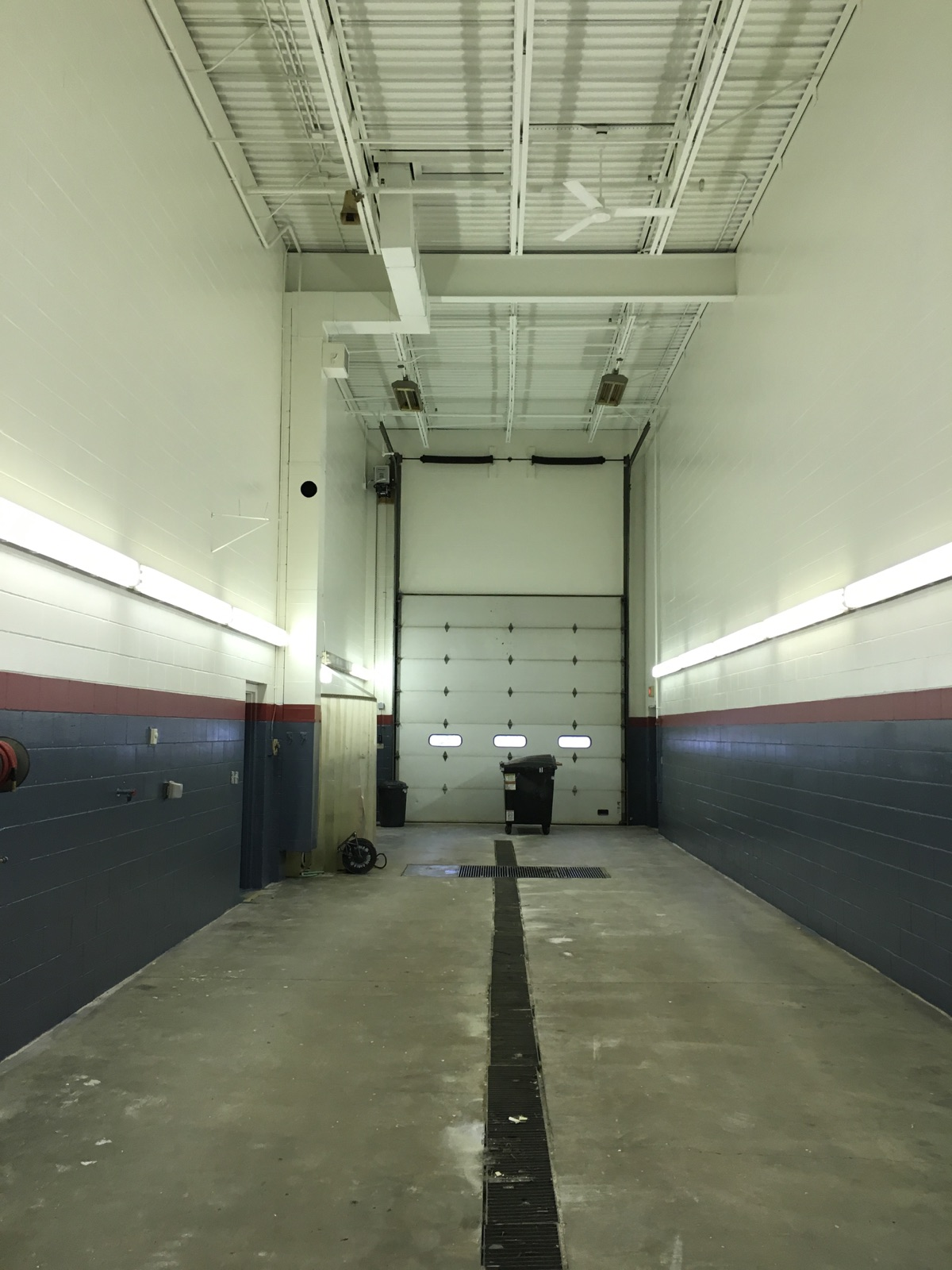 Commercial - Minnesota Valley Electric - Wash Bay | AM Painting of Princeton
